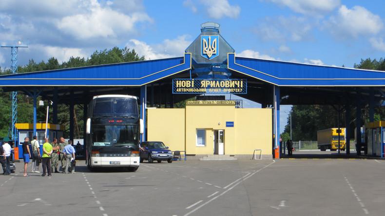 """Ukrainische Medien: """"Bekannter russischer Schriftsteller"""" beantragt Asyl in Ukraine"""