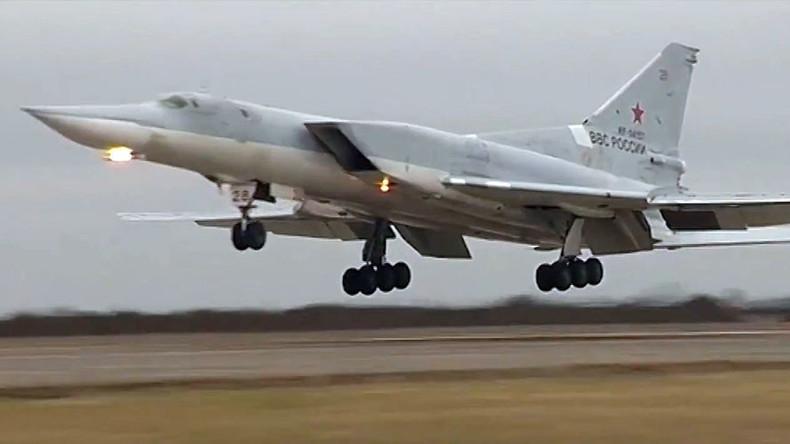 Russland zieht Langstreckenbomber für Anti-Terrorkampf in Syrien aus Iran ab