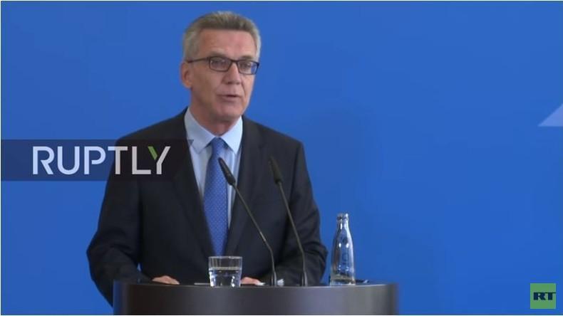 Live: Innenminister de Maiziere stellt neuen Zivilschutzplan in Berlin vor