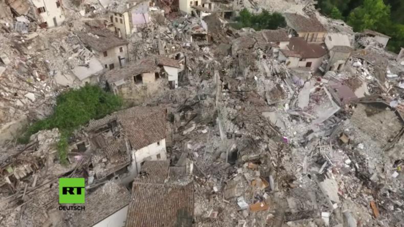 Erdbeben in Italien: Drohnen-Aufnahme dokumentiert massive Zerstörung in Pescara del Tronto