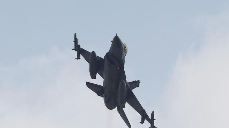 """""""Gefahr von Zwischenfällen"""" - Moskau bittet Ankara um Details der Luftoperation in Syrien"""