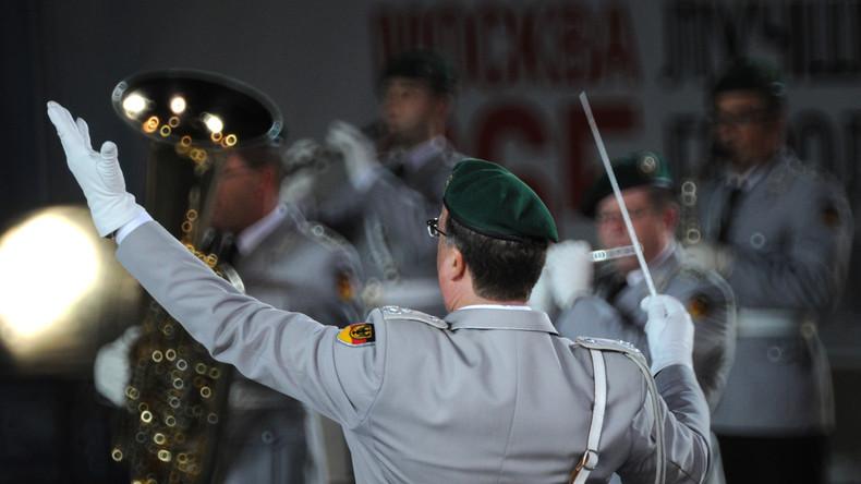 Bisher ist die Bundeswehr eher zeremoniell im Inland aktiv - nach dem Willen von Verteidigungsministerin Ursula von der Leyen soll sich das ändern.