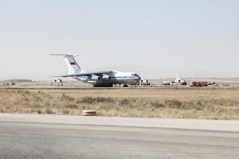 Syrien: Russische Überschallbomber fliegen vom Iran aus Angriffe gegen IS- und Al-Nusra-Stellungen