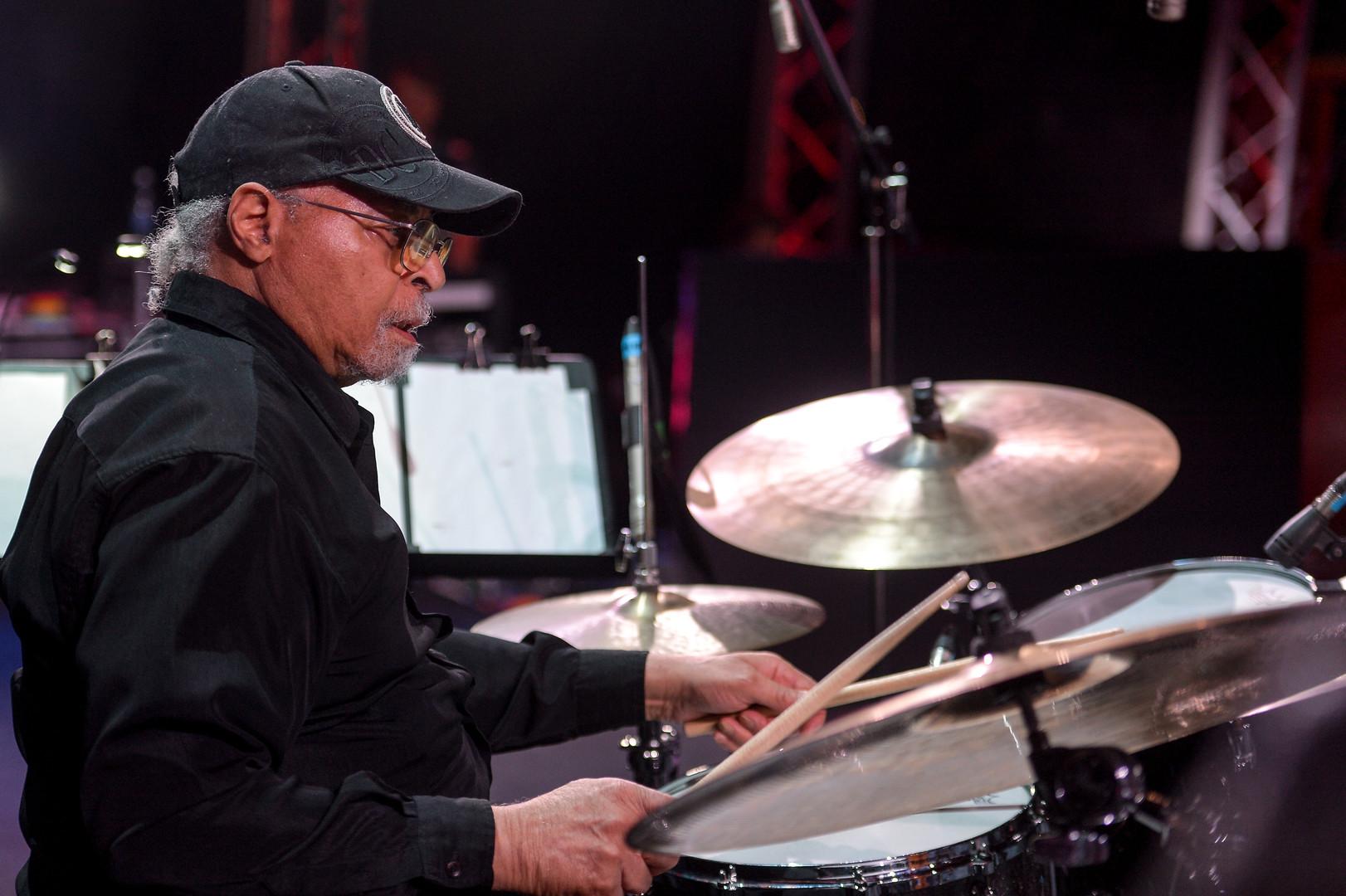 US-amerikanischer Schlagzeuger des Modern Jazz, Jimmy Cobb