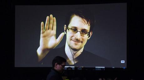 Laut BILD und Verfassungsschutzpräsident Hans-Georg Maaßen ein Spion im Auftrag des Kremls: Der NSA-Whistleblower Edward Snowden.