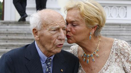 Walter Scheel mit seiner Ehefrau Barbara Scheel bei einem Empfang in Bellevue, Juni 2009.