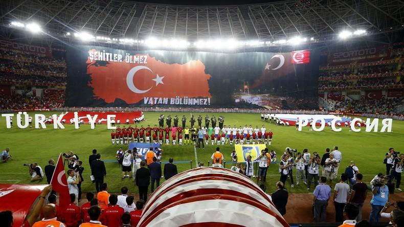 Unentschieden: Freundschaftsspiel Russland-Türkei