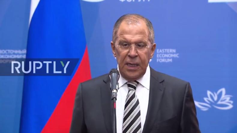Lawrow hält Pressekonferenz auf dem Östlichen Wirtschaftsforum in Wladiwostok