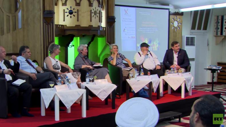 Muslime fragen - Politiker antworten: Begegnungen in der Dar-as-Salam-Moschee in Berlin-Neukölln