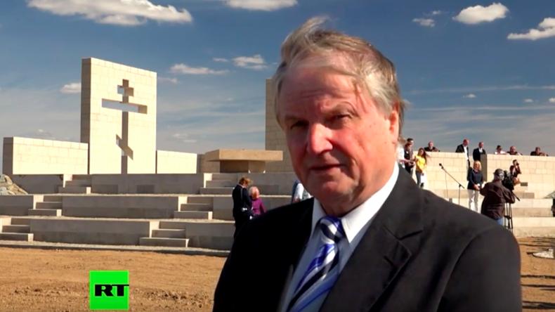 RT-Interview: Dr. Holtz zur Friedenskapelle am deutschen Soldatenfriedhof im ehemaligen Stalingrad