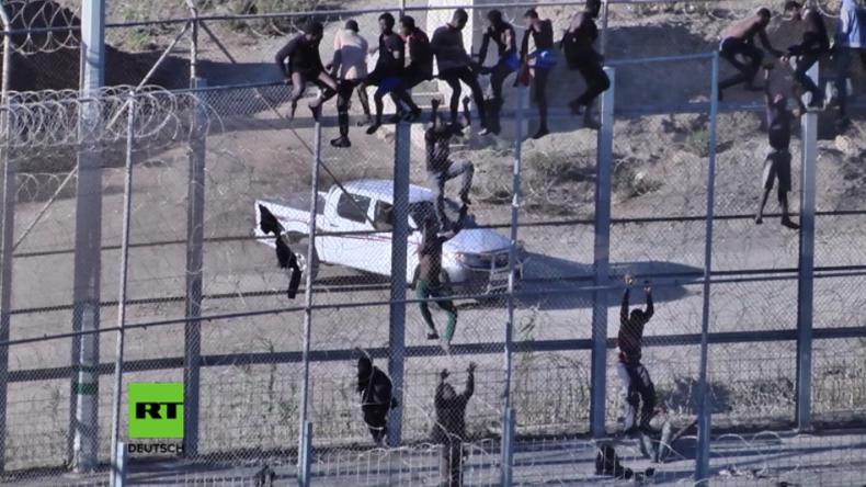 Marokko: Dutzende Flüchtlinge und Migranten versuchen Grenzzaun nach Spanien zu übersteigen