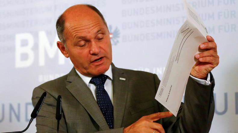 Österreichs Innenminister Wolfgang Sobotka bei einer Pressekonferenz in Wien, Österreich am 12. September.