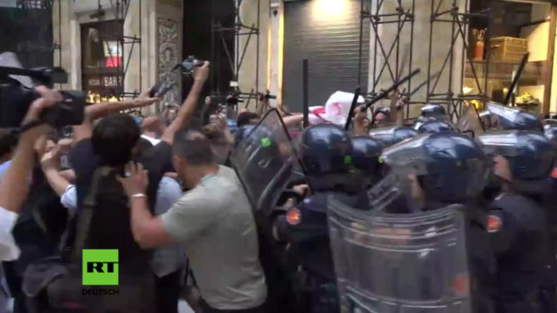 """Italien: Erneut schwere Zusammenstöße bei Protest gegen Matteo Renzis """"neoliberale Politik"""""""