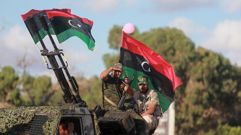 Ex-CIA-General Haftar erobert wichtigste Ölhäfen Libyens von UN-gestützter Einheitsregierung