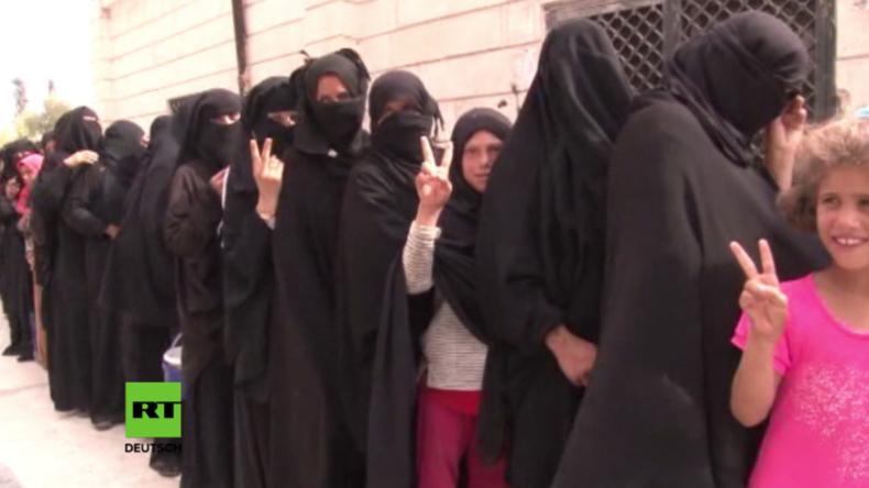 Syrien: Dscharablus nach der Befreiung vom IS – NGO verteilt Lebensmittel und Geschenke