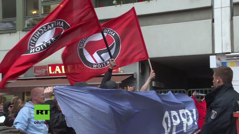 Berlin: AfD-Wahlparty natürlich nicht ohne Antifa – Protest vorm Ratskeller Charlottenburg