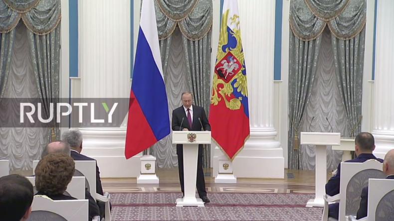 Live: Putin verleiht Auszeichnungen für Leistungen in Literatur, Kunst, Wissenschaft und Technologie