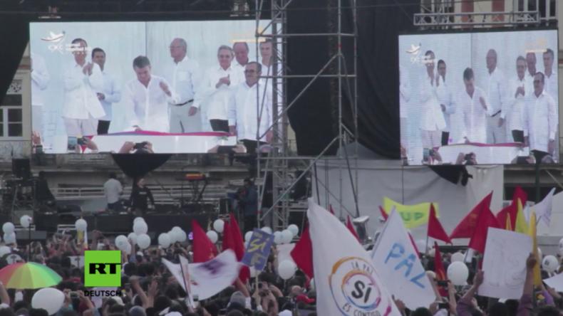 FARC und Regierung schließen Friedensvertrag: Kolumbianer feiern Ende des Bürgerkrieges