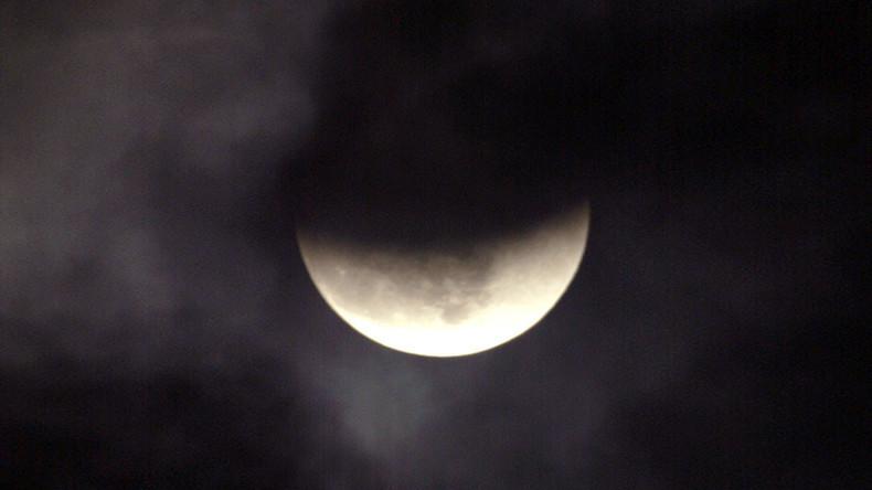 Sagen Sie alle Termine ab - Seltener Schwarzer Mond könnte Ende der Welt bedeuten