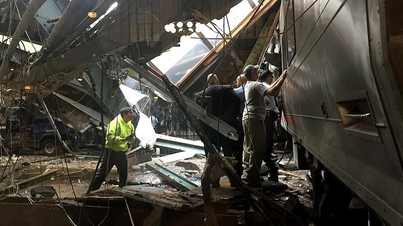 Updates: Zugunglück in USA - Nahverkehrszug fährt ungebremst auf Bahnsteig