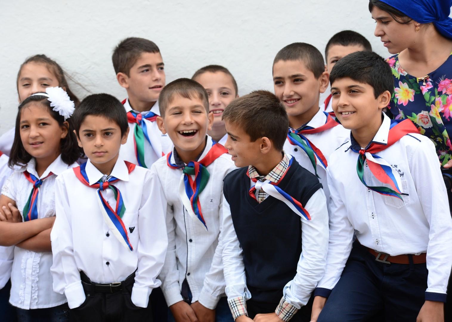 Schüler im Dorf Werchni Dschalgan in Dagestan