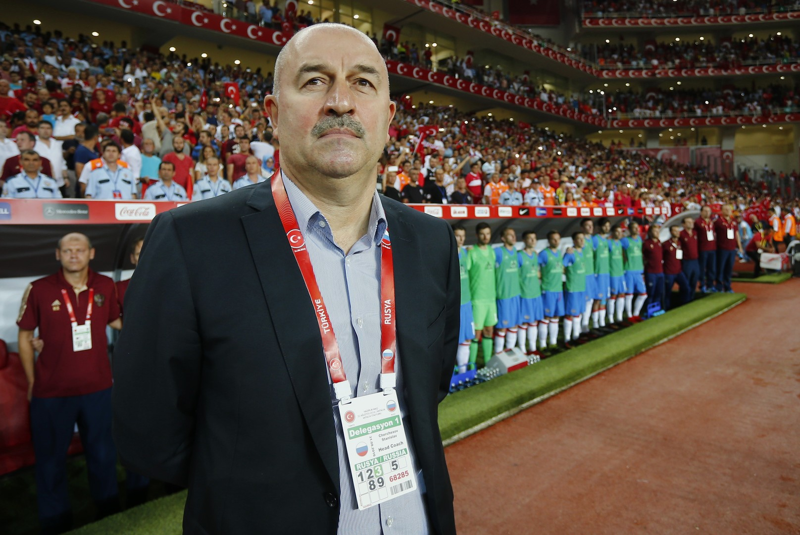 Der ehemalige Fußballnationaltorhüter der Sowjetunion, der GUS und Russlands, Stanislaw Tschertschessow, ist seit Juli 2016 ist Cheftrainer der Russischen Fußballnationalmannschaft.