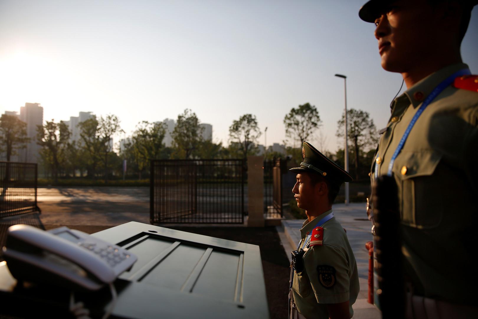 Paramilitärs überwachen den Veranstaltungsort des G20-Gipfels