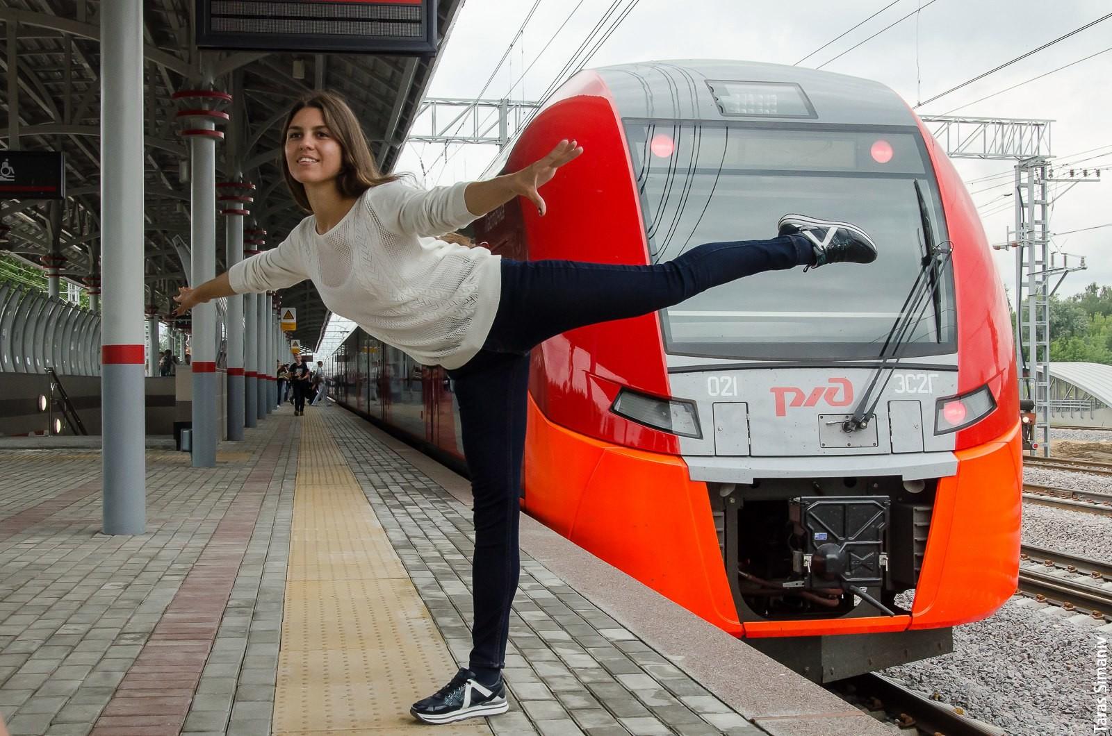 Begeisterte Moskauer posten Fotos aus der neuen Ringbahn auf ihren VK- und Facebookseiten.