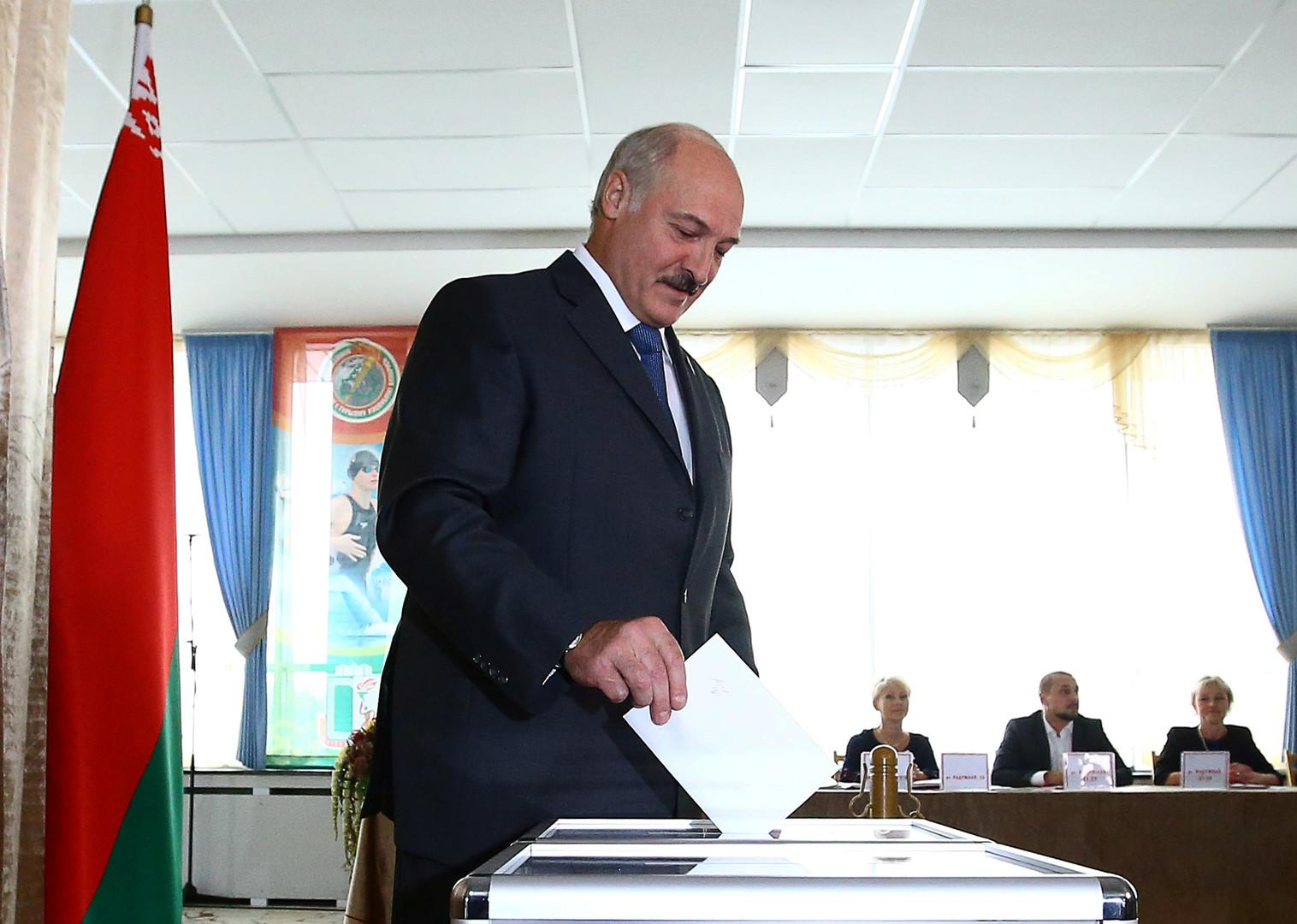 Darth Vader, Chewbacca und zwei Oppositionelle: Weißrussland hat sein Parlament gewählt
