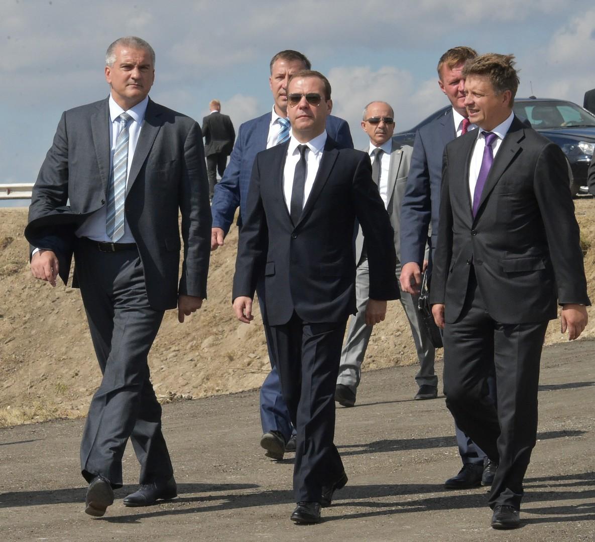 Dmitri Medwedew ist zur Dienstreise in Kertsch angekommen