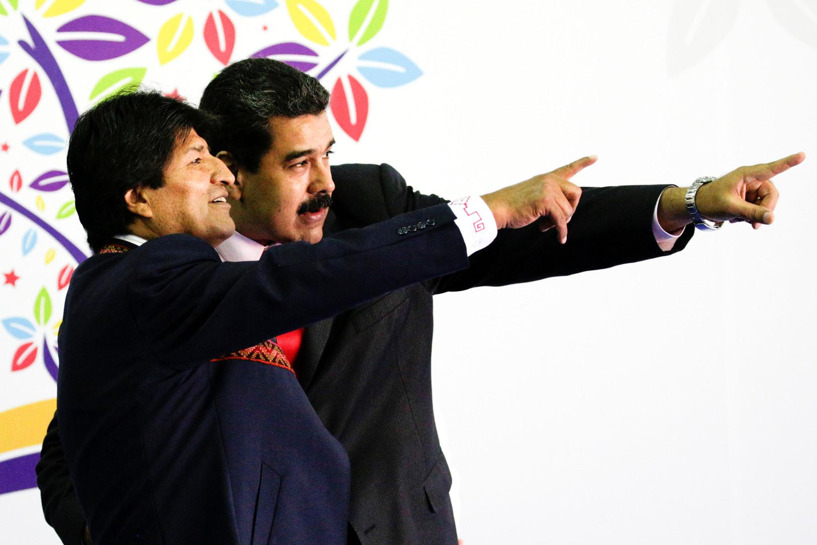 Der bolivianische Präsident Evo Morales und sein venezolanischer Gastgeber Nicolás Maduro auf dem Treffen der Blockfreien Bewegung.