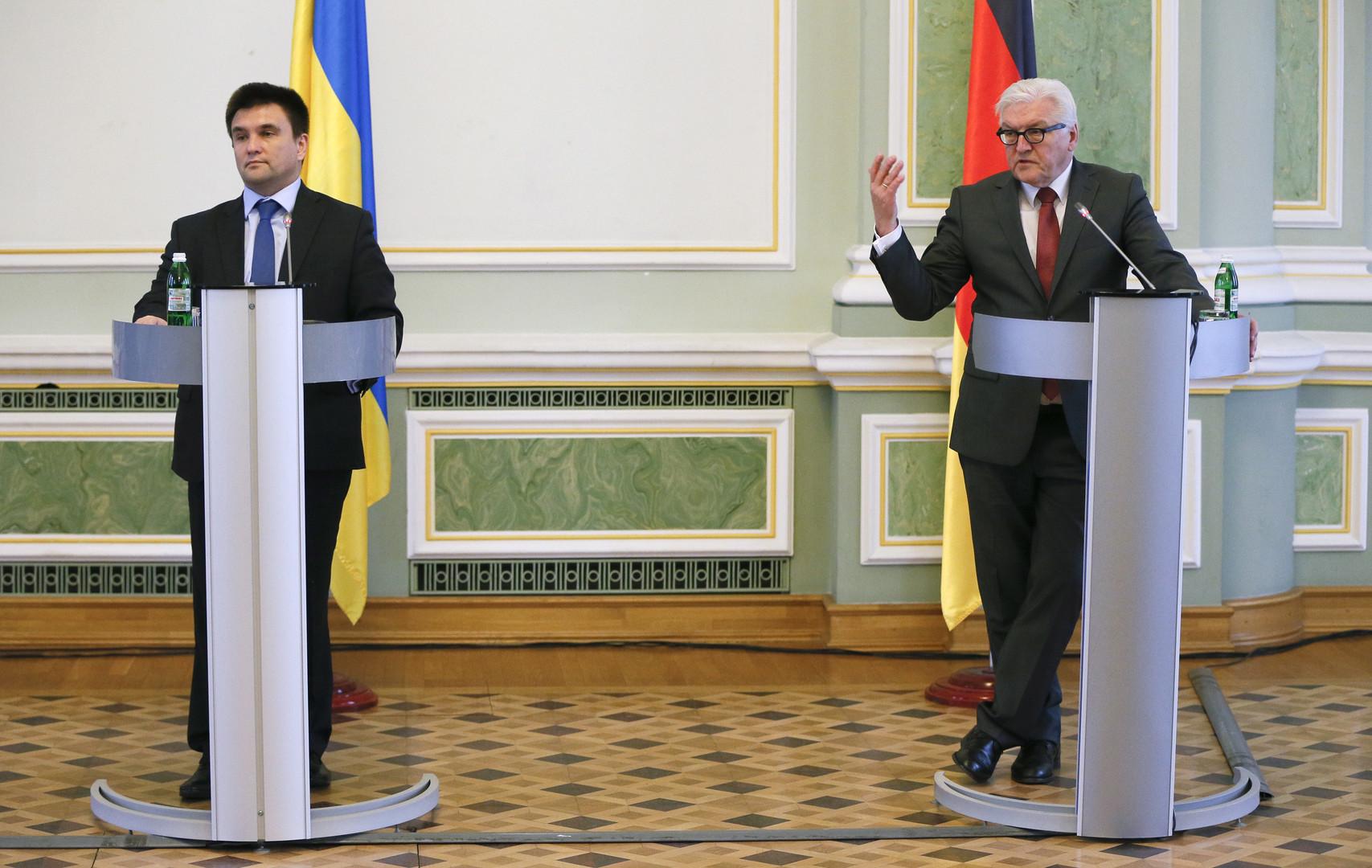Der deutsche Außenminister Steinmeier und der ukrainische Außenminister Klimkin während einer gemeinsamen Pressekonferenz im Februar 2016.