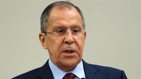 In einem Interview kritisierte der Außenminister der Russischen Föderation, Sergej Lawrow, den aus seiner Sicht äußerst uneinheitlichen Bewertungsmaßstab des Westens mit Blick auf staatsfeindliche Unruhen in unterschiedlichen Ländern.