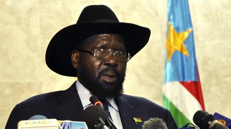 Die Freunde von gestern, die Feinde von morgen: Präsident Salva Kirr vor dem Parlament in Juba, November 2015.