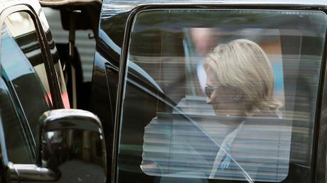 Nach einem Zusammenbruch am Sonntag in New York könnte der Gesundheitszustand der US-Präsidentschaftskandidatin Hillary Clinton zu einer weiteren Hypothek in ihrem Wahlkampf werden.