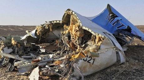 Bei einem mutmaßlich von IS-Terroristen verübten Anschlag am 31. Oktober 2015 über dem Sinai starben 224 russische Fluggäste. Seit dieser Zeit ruht der direkte Flugverkehr zwischen beiden Ländern.