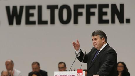 Mit einer deutlichen Mehrheit sprach sich der Parteikonvent der SPD in Wolfsburg für ein Ja zum geplanten Freihandelsabkommen CETA aus. Die Linke teilt indessen den Optimismus der Sozialdemokraten bezüglich der damit verbundenen Chancen nur bedingt.