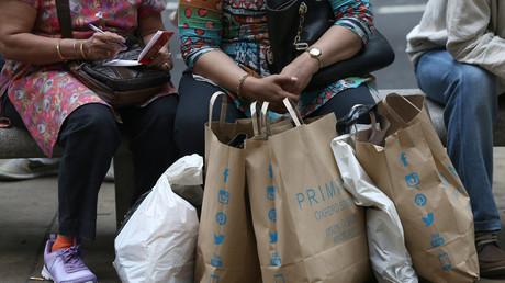 Konsum - hauptsache billig. Im Neoliberalismus zählt vor allem der Profit.