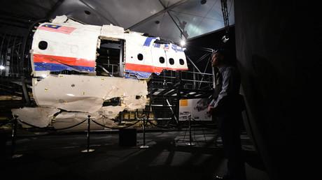 Die internationale Ermittlungsgruppe zur MH17-Katastrophe (JIT) geht auf Grund des bislang ausgewerteten Materials davon aus, dass das BUK-Geschoss, das am 14. Juli 2014 das Flugzeug traf, von Rebellengebiet aus abgeschossen wurde.