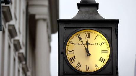 5 vor 12 für die Deutsche Bank? Die Krisenmeldungen für das traditionsreiche Institut häufen sich.
