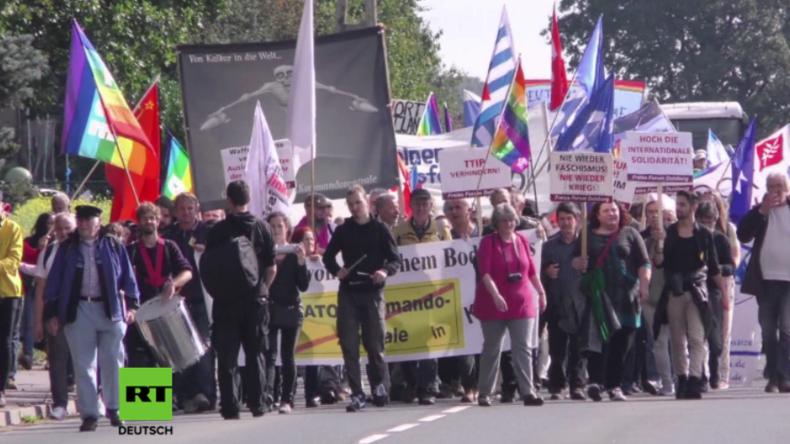 """Kalkar: Hunderte protestieren am NATO-Stützpunkt gegen das westliche """"Bündnis für Angriffskriege"""""""