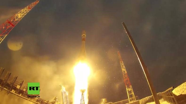 Russland veröffentlicht zum Tag der Weltraum-Streitkräfte Video der spektakulärsten Raketenstarts