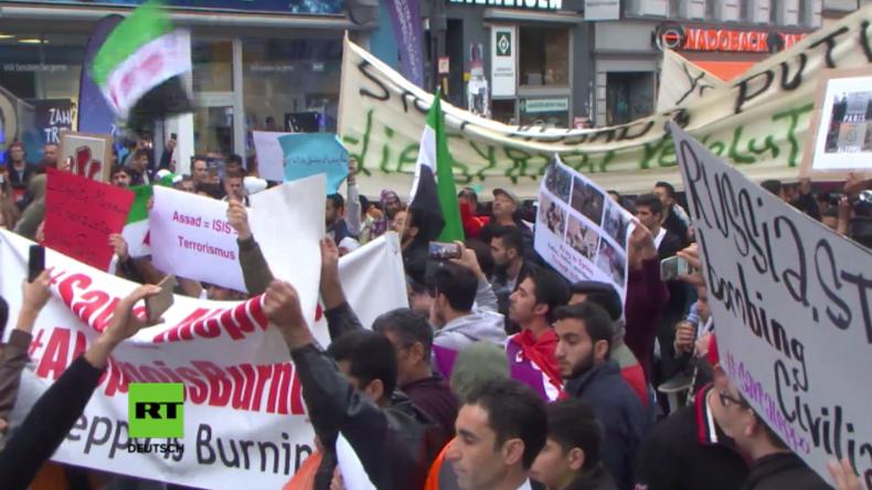 Hunderte FSA-Anhänger protestieren in Berlin gegen Assad und russischen Militäreinsatz