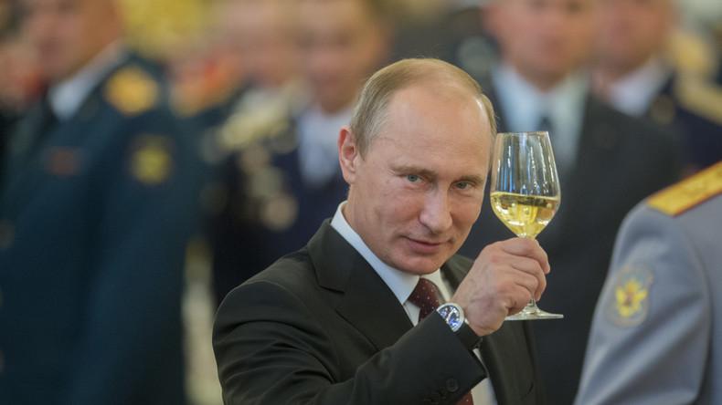 Präsident Putin feiert 64. Geburtstag