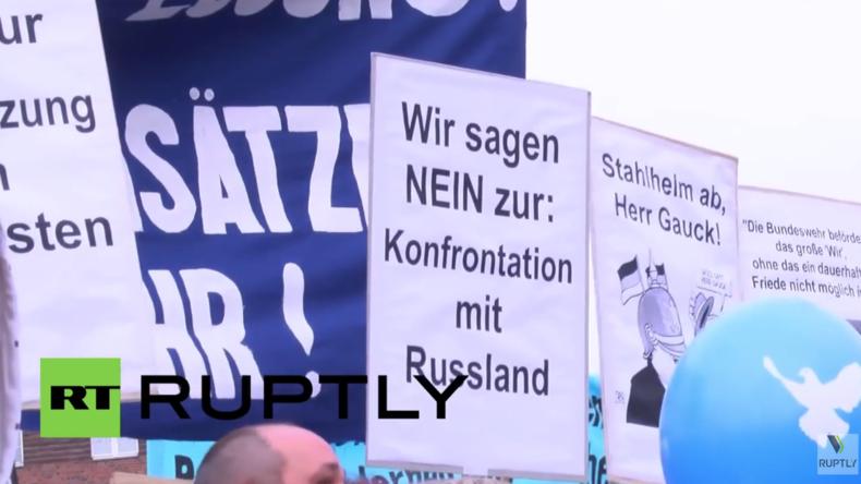 """Live: """"Die Waffen nieder!"""" -  Demonstration für Frieden in Berlin"""