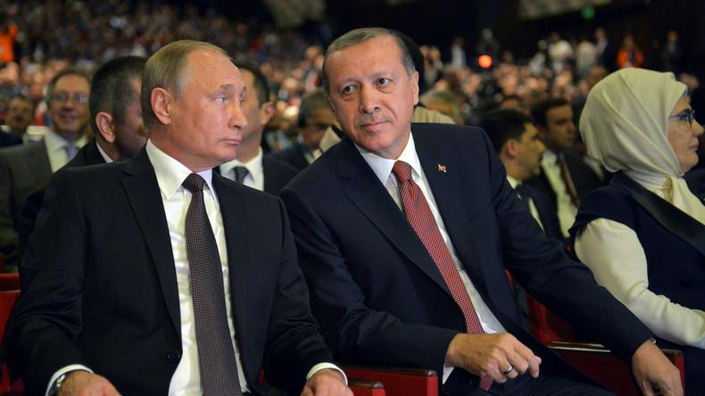 Putin besucht Türkei: Wirtschaftsbeziehungen sollen mit Turkish-Stream-Pipeline beflügelt werden