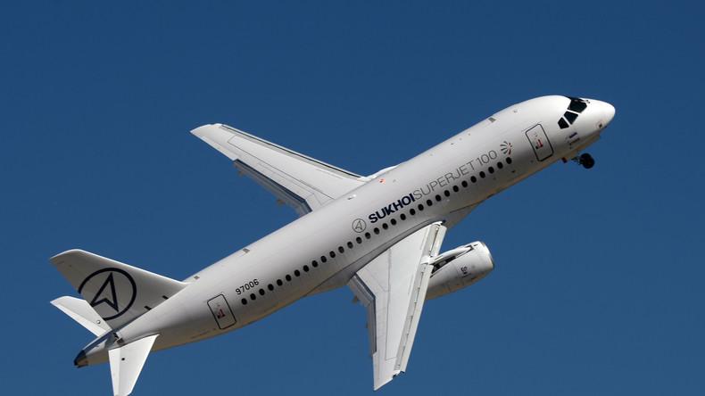 Russlands Minister werden mit Suchoi Superjet 100 fliegen