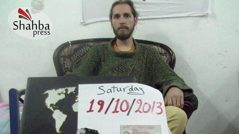 Russe nach drei Jahren Haft bei Terrormilizen wieder zu Hause