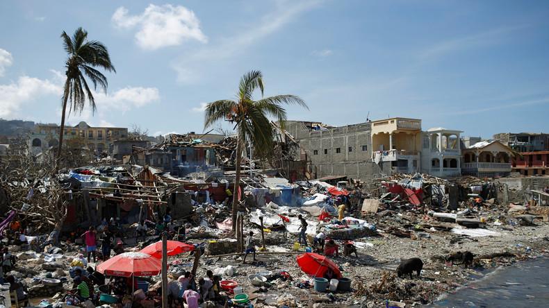 Blauhelme setzen Tränengas ein, um einen Hilfskonvoi in Haiti zu schützen