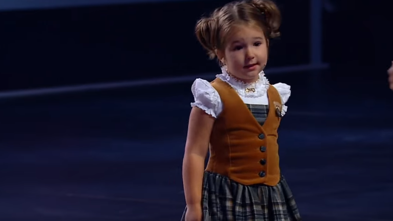 Vierjähriges Wunderkind aus Moskau spricht fließend sieben Sprachen – und wird zum Internetstar